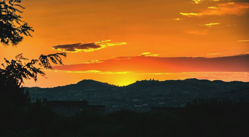 Loreto Marche Tramonto sunset #sun #clouds #skylovers #sky #nature #beautifulinnature #naturalbeauty photography landscape ....be Free....