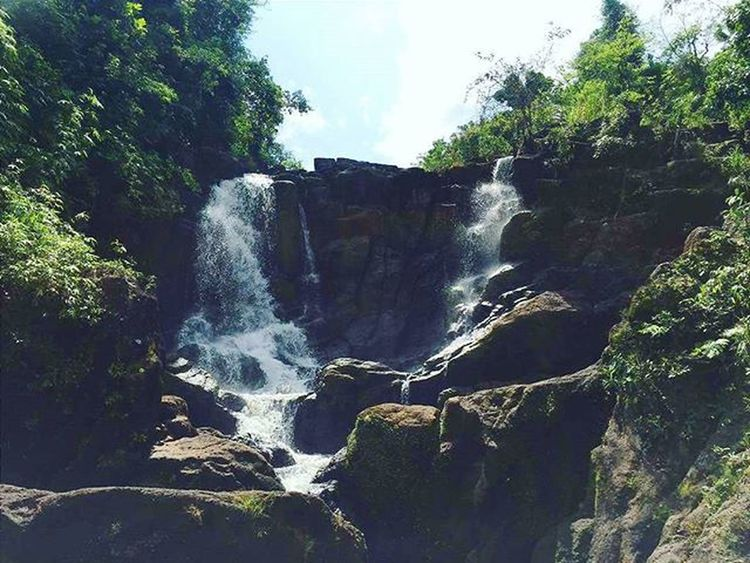 2 of 3 falls for our DIYLagunaAdventure ☺☺ Though it's called Hidden Falls, it seems like it's not a mystery anymore. But I think it's a good thing !! LOL👍👍👍 💦💦💦 Hiddenfalls Nature Falls Summer Adventure PhonePhotography Amateurphotography Laguna Philippines Like4like Follow Itsmorefuninthephilippines Chrispedition2016