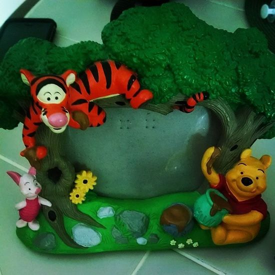 My $5 bargain shopping adventure today. Whinniethepooh Disney Pictureframe ☺
