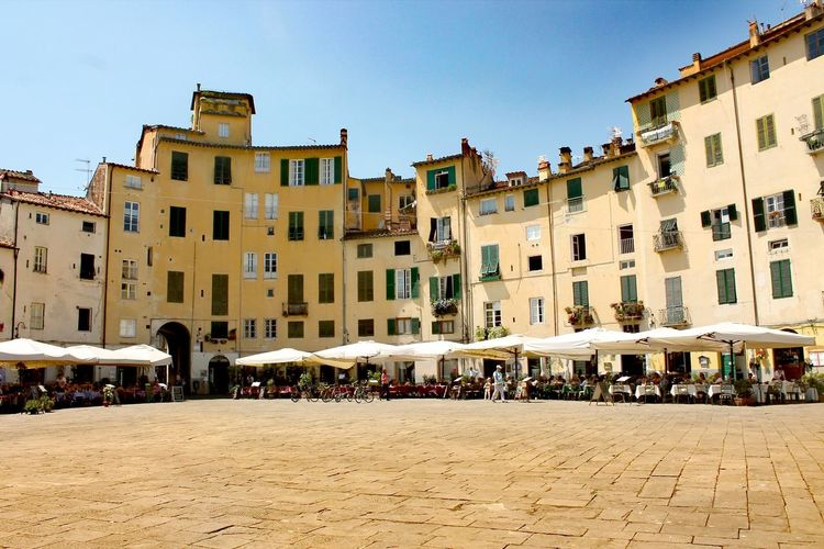 Architecture Large Group Of People History Travel Destinations People Built Structure Building Exterior Photograph Vacations Outdoors City Sky Day Cityscape Adults Only Adult Live For The Story The Week On Eyem Italy Lucca