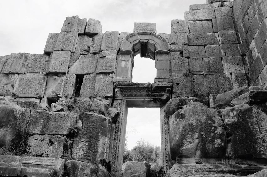 Old Ruin Ancient History Built Structure Architecture Ancient Civilization The Past Archaeology Day Arch Low Angle View Religion Travel Travel Destinations Outdoors Spirituality Building Exterior Sky Place Of Worship No People