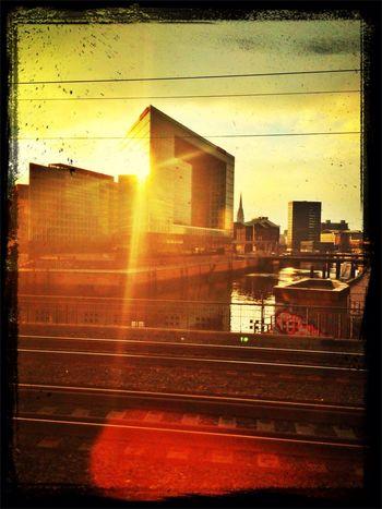 Arriving Ontour Sunset Architecture