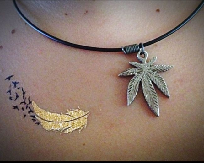 Tatoo Gold Gold Tatoo Canabis Necklace Loveit