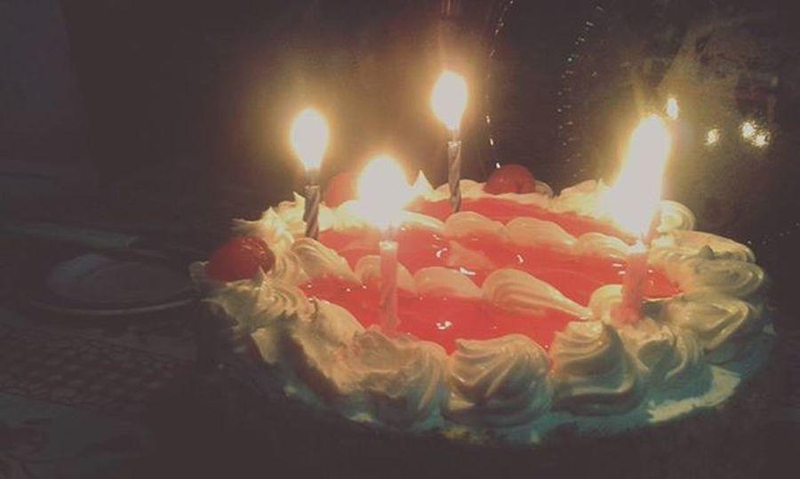 I'm feeling 16 :'v HappyBirthdayToMe Sixteen HBD Cake Velas