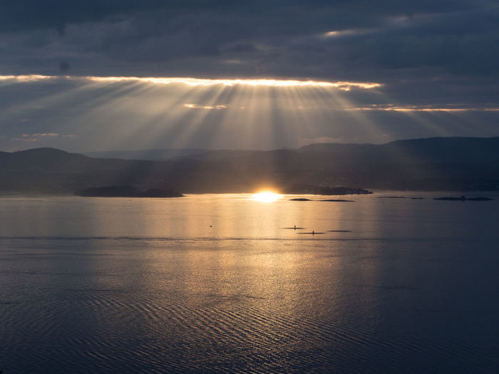 Sun burst across the Oslofjord, Norway B&w Black And White Cloud - Sky Nature Reflection Sea Sky Sun Sun Beams Sun Burst Sun Shine Sunbeam Sunbeam Across Oslofjord Sunbeams Sunlight Sunlight Sunshine Sunshine! Lost In The Landscape