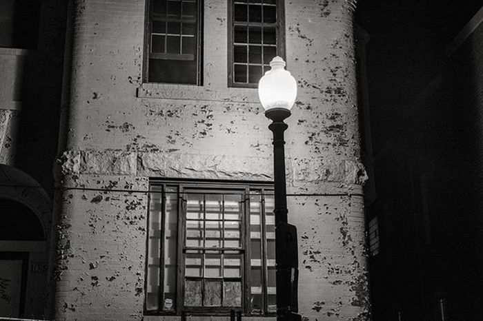This lamp was shining brightly right outside Amsterdam Falafel in Washington DC. Standing across from these houses, though they looked pretty creepy, with the paint chipping and windows shattered. Blackandwhite Light Lamp Paint Chipping Fenced Windows Shattered Mondays Schoolday DCTrip Amsterdam Falafel Stuffed Followme Instafollow Instagood Picoftheday Instadaily Ztprod