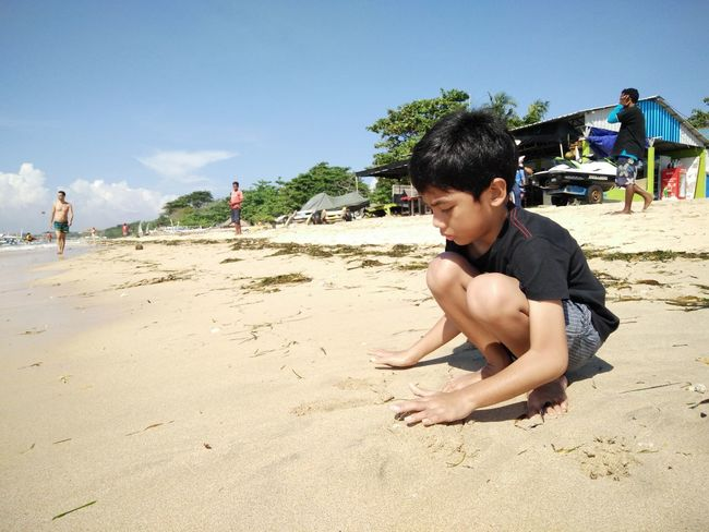 Beach Casual Clothing Day Enjoyment Full Length Leisure Activity Lifestyles Outdoors Sand Shore Sky Summer Sunlight Sunny Vacations Nusadua Bali, Indonesia Tanjungbenoa