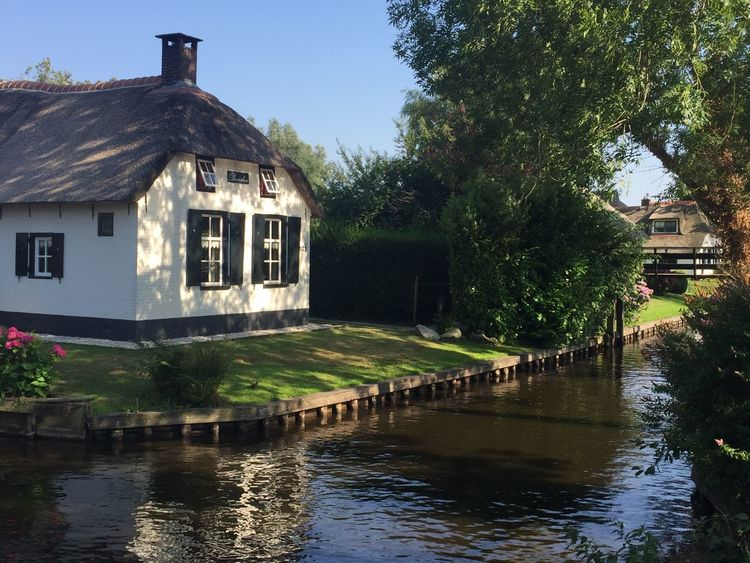 Giethoorn Hollande Built Structure Architecture Building Exterior Water Tree Plant Building