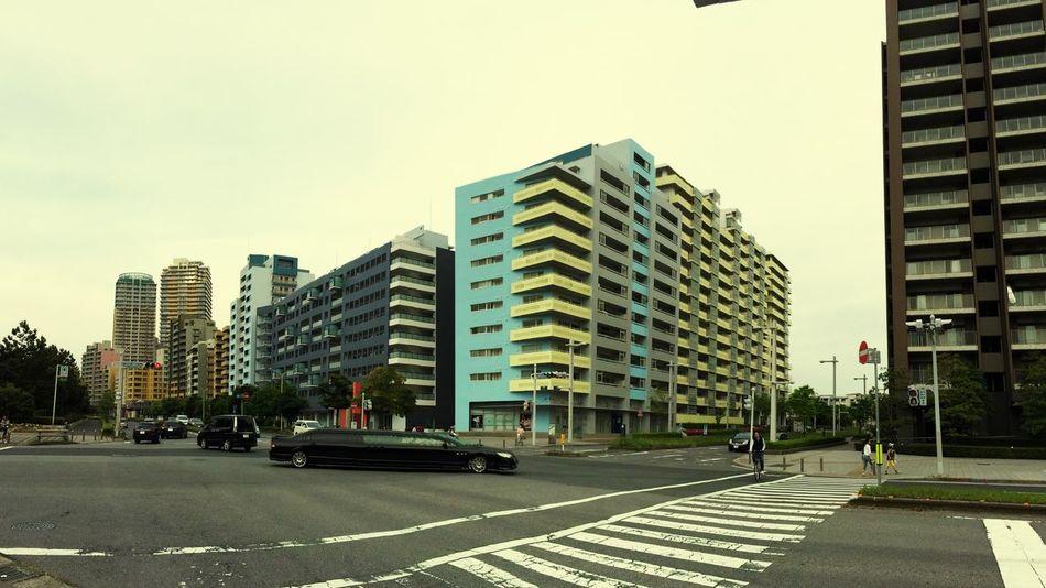 IPhone Photography Streetphotography Streamzoofamily Chiba,Japan Makuhari City. オシャレな街😌✨🎵🚲💨