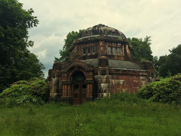 Tomb Tomb Built