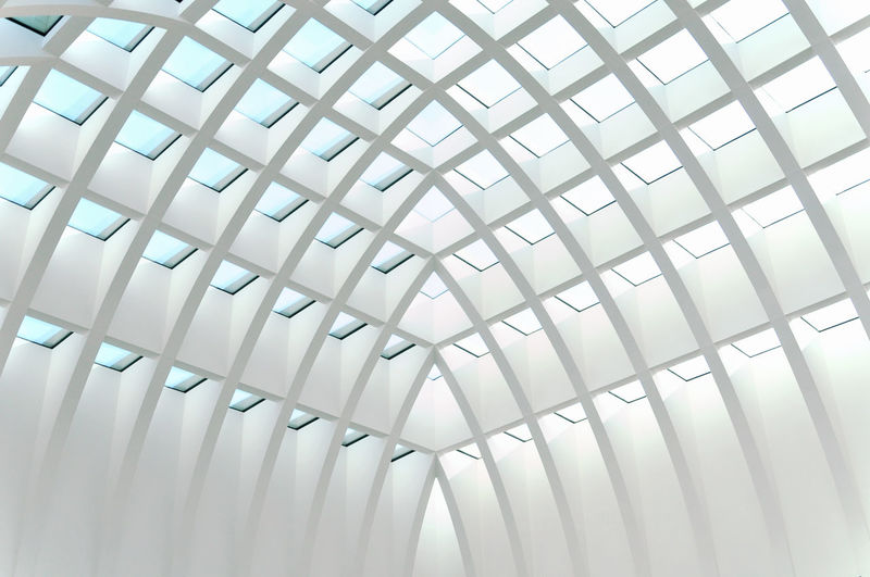 roof structure of a mall in Berlin ©alexander h. schulz Architecture Berlin Ceiling Light Roof Sparse Abstract Architectural Feature Architecture And Art Building Built Structure Day Full Frame Geometry Glass Low Angle View Minimalism Modern No People Pattern Repetition Structure Symmetry White The Architect - 2018 EyeEm Awards