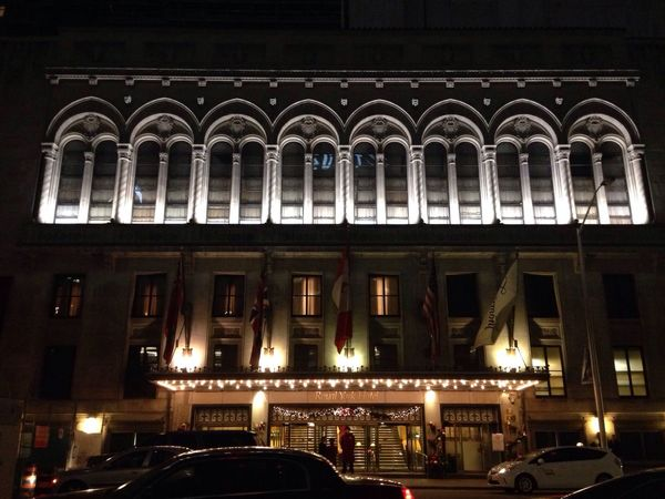 Walking By Hotel Nightphotography Fairmont Royal York Toronto