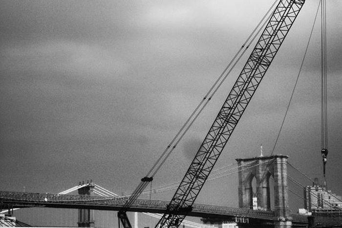 Brooklyn Bridge / New York Brooklyn Bridge  Manhattan Bridge Rainy Days Manhattan, New York City