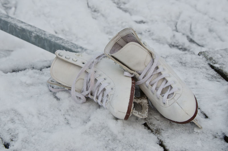 Ice-skates Blade Blades Cold Cold Temperature Footwear IceSkates Lifestyles Low Section Obsolete Shoe Shoes Skate Snow Sport Winter Women
