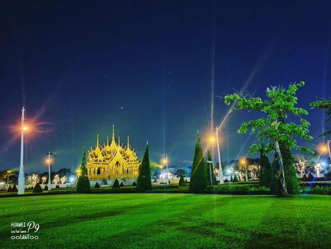 พระลานพระราชวังดุสิต P9 Oo Leica LikhiT55 Huawei_P9 ๐๐LikhiT๐๐ Night Green Color Illuminated Grass No People Outdoors Star - Space Sky Tree Nature City Astronomy