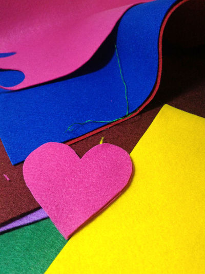 Felt craft - it is so easy to prepare tender and sweet DIY handmade Valentine gift for ones you love Craft Cut DIY DIY Art DIY At Home Diy Gift Felt Felt Craft FeltCraft Gift Handcraft Handcrafted Handkraft Handmade Heart Hearts Stitch Textile Textile Art Toy Valentine Valentine Gift Valentine's Day  Valentinesday Your Design Story