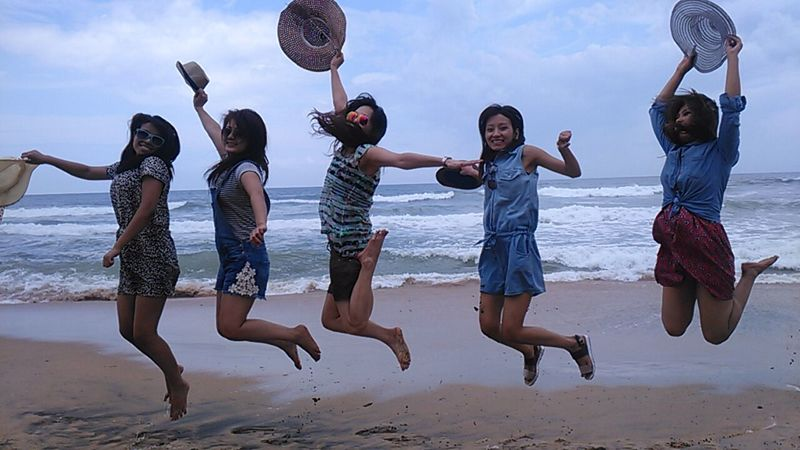 Things I Like FRIENDS, TRAVELLING, BEING CAREFREE, BEACH, LAUGHS AND JUMPING FOR JOY !!!! Beach Vibes Beach Friendsforever Beach Hats Yay! Memories Sand & Sea Waves Capture The Moment Capturing Movement Capturing Freedom Hairspiration Kerala India Varkala Beach Southindia Work Hard Play Hard Dungerees Laughs Carefree Doctors Eyeem Beach Shots EyeEm Best Shots Photography In Motion