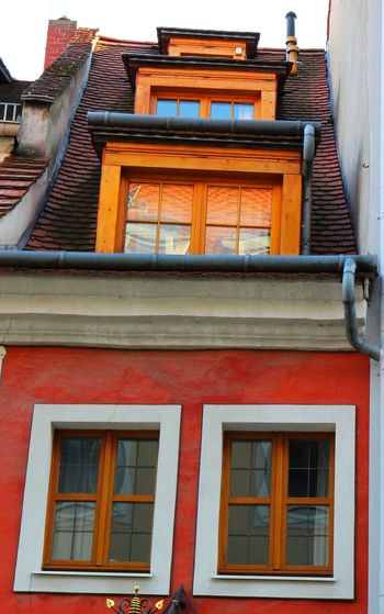 Altstadt Architecture Building Exterior Built Structure Dach Denkmal Fenster Low Angle View No People Orange Color Outdoors Red Sachsen Schlesien Schmal Small Window