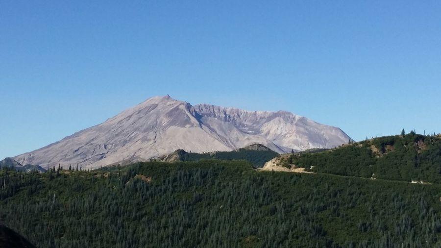 Quiet giant Mt. St. Helens in August