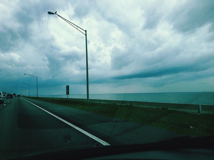Stormy Weather Tampa Bay driving on Highway 275 MeinAutomoment