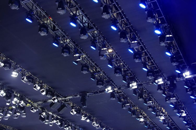 Full frame shot of spot lights hanging from ceiling