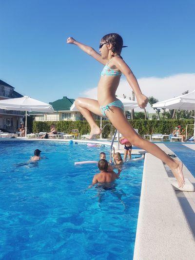 Done That. One Person Childhood Sunlight Beach Sea Бассейн лето бассейн прыжок в воду Jumping Spider Jump