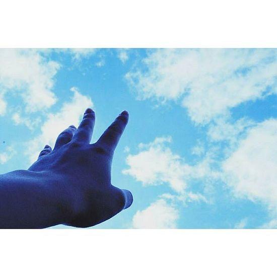 ∴時は流れる。 空 Sora  Sky 青 雲 過去 未来