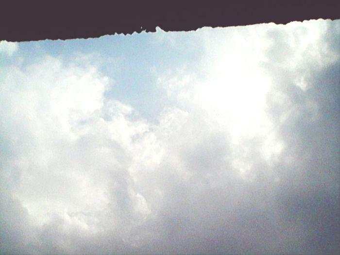Días Nublados