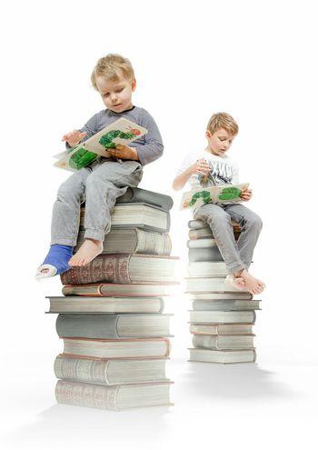 Ein kleines bisschen lektüre Kids Book Raupe  Studio Photography Photoshop Photoshop3d Davidlecardinal
