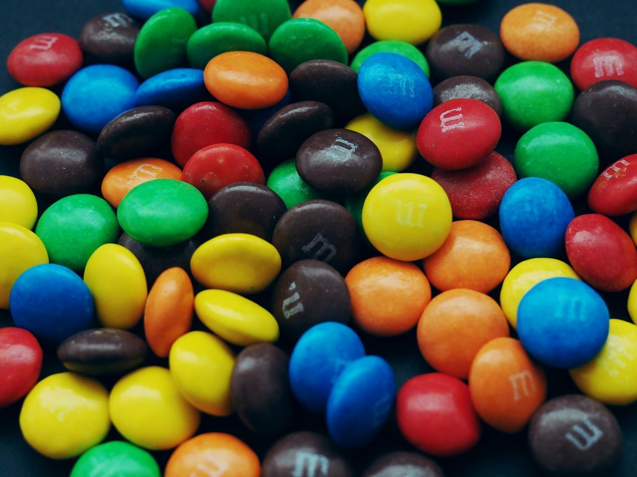 multi colored, colorful, still life, sweet food, large group of objects, indulgence, temptation, variation, choice, indoors, full frame, no people, unhealthy eating, close-up, backgrounds, dessert, food, day