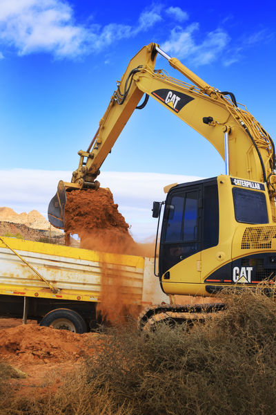 Construction Site Excavator Tractors Among Us Diggers! Dump Truck Scoop Em Up Utah United States Working Hard Tractors