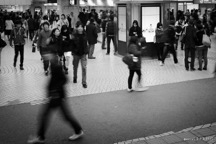 Large Group Of People Group Of People Walking People Motion Adults Only Crowded Crowd Women Business Adult Suit Rush Hour Commuter Only Women Day