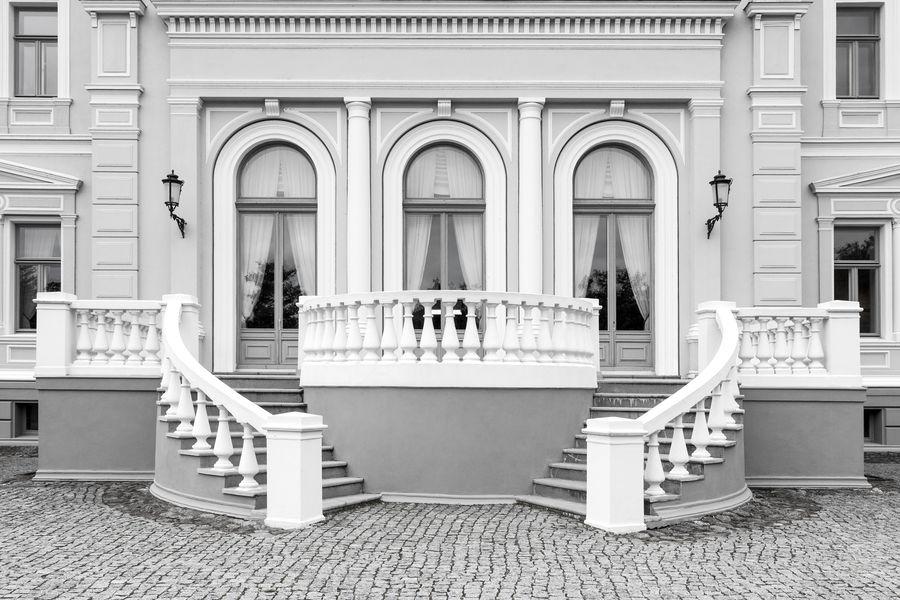 Architecture Built Structure Building Exterior Outdoors Classic Historical Building Neo Renaissance Facades Exterior Windows Entrance Black And White