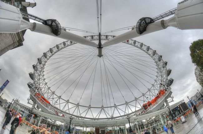London Eye from a fisheye lens perspective Autumn Autumn Leaves B Bench Bkack&withe Black And White Autumn Fisheyelens Fun Hyde Park, London London London Eye London Lifestyle LondonTube Londonunderground LONDON❤ Mind The Gap Ride Rush Hour Thames Train TubeLondon Underground Station