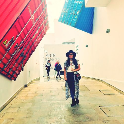 Museo Full Length Leisure Activity Group Of People Women People Building Exterior Walking Day First Eyeem Photo