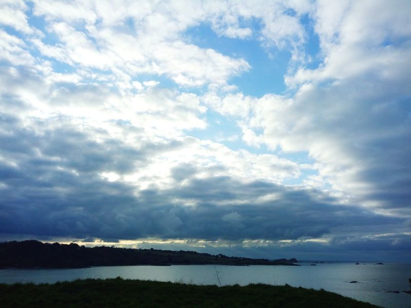 Water Mountain Blue Summer Reflection Sky Landscape Cloud - Sky Horizon Over Water Cloudscape Dramatic Sky Moody Sky