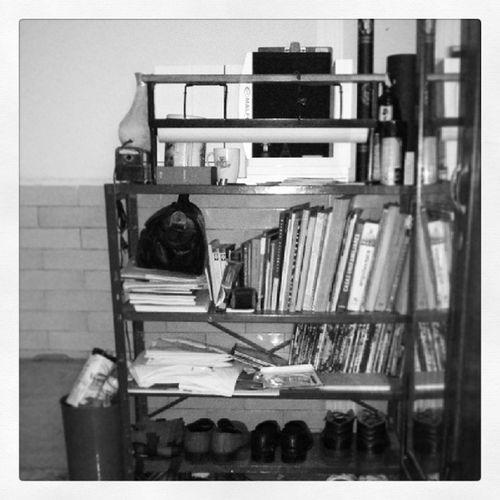 Un estante que refleja mucho de mi... MiEspacio EnfermoEnCasa