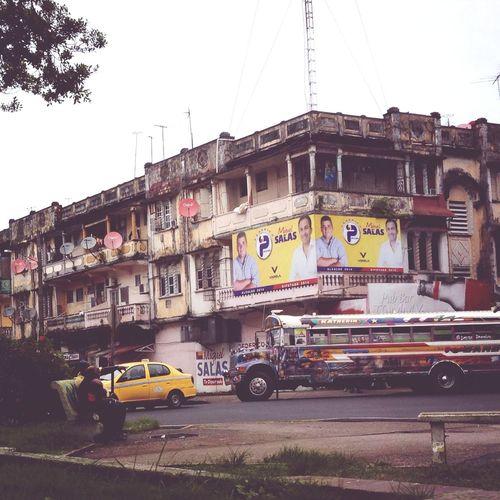 Calle Luna, Calle Sol - Colón, Panamá Beautiful Surroundings Panamá Streetart Taking Photos