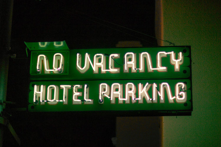 Arizona Nightphotography No Vacancy Sign Communication Glowing Green Color Hotel Parking Illuminated Information Sign Lighting Equipment Neon neon life Neon Sign Night Relic Southwestern Usa Text Vintage Western Script HUAWEI Photo Award: After Dark