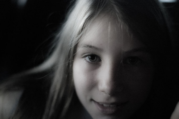 Beautiful Woman Blond Egir Blue Eyes Brasilian Child Picture Child Of The Braz Children Fan Love ♥♥♥ Close-up Cute Fantastic Picture Of One Girl FERNANDO COUTINHO Front View Light And Shadow Looking At Camera Luz E Sombr Luz E Sombra One Person Perfect Image Childree Portrait Soriso Enigmati Studio Shot Young Women