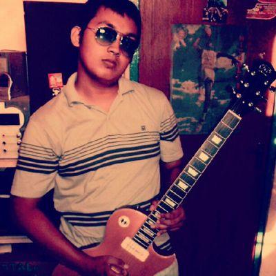 Just me INDONESIA Instagram InstaAsia Picoftheday samarinda rockstar rocknroll guitar lespaul michaeljordan eyeglases guitar door hobby music