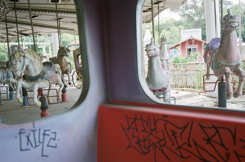 廃墟 Ruine 35mm 35mm Film Film Film Photography Filmisnotdead 遊園地 メリーゴーランド