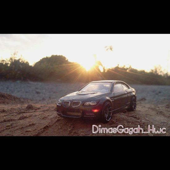 Photograpy Photography HotWheels Hotwheelscollectors Hotwheelscollection Hotwheelspics Diecastphotography Diecast Sunset Sand Shadow Scale164 Takebysamsung Nature Natural DiecastIndonesia Explore Explorer Dimasgagah_hwc