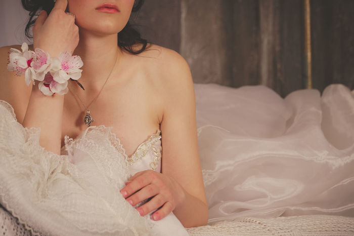 Beautiful Woman Bride Close-up Day Flower Indoors  Lifestyles One Person People Real People Wedding Wedding Dress Young Adult Young Women