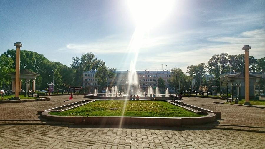 Sun No Filter Urban Nature Urban Park Urban Novokuznetsk Новокузнецк фонтан Mobilephoto Mobail Photo