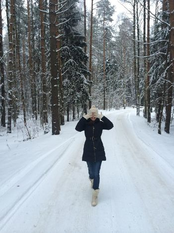 Snow Russia Snow Forest Forest Girl Happiness Winter Fir-tree Fir Snow Day Outdoors Outdoor Photography Snow ❄ Hidden Close My Eyes