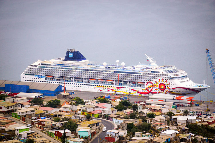 Norwegian Sun docked alongside in Coquimbo, Chile. Cruise Ship Norwegian Cruise Line NorwegianSun Built Structure Cruise Cruiseship Norwegiancruiseline