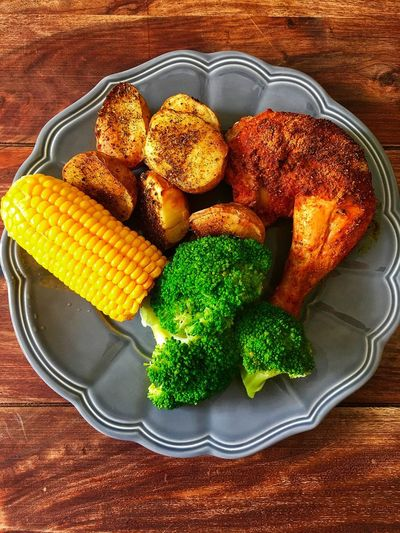 Potatos Chicken Meat Dinner Corn Food High Angle View Still Life Food And Drink Freshness Table Indoors  Wellbeing Vegetable Healthy Eating Ready-to-eat Green Color Broccoli Close-up Plate