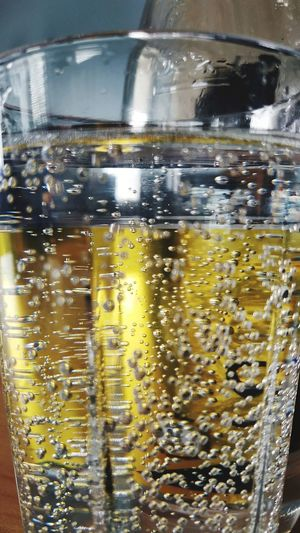 Drink Water Yellow Drinking Glass Dissolving Close-up Food And Drink Cola Soda Tonic Water Drink Can Carbonated Lemon Soda Purified Water Canister Drinking Straw Ice Cube Frothy Drink Bubble Wand RainDrop Bubble Condensation Transparent Aluminum GIN Vodka Rum Can