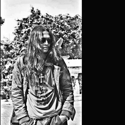-What're U Lookin'for? Throwback Kilasbalik OrARToret Tamangarudaartspace Bw Blackandwhite Hitamputih